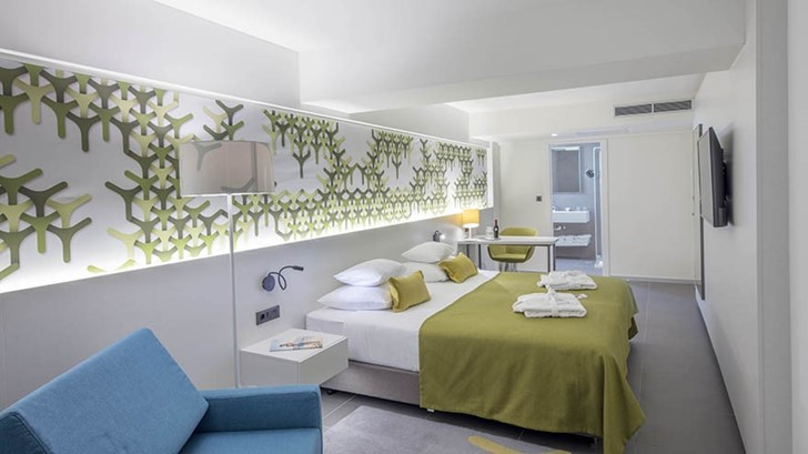 Junior Suite s pogledom na more i balkonom